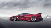 Ferrari revela FXX K com 1050 cv e portas a la Lamborghini