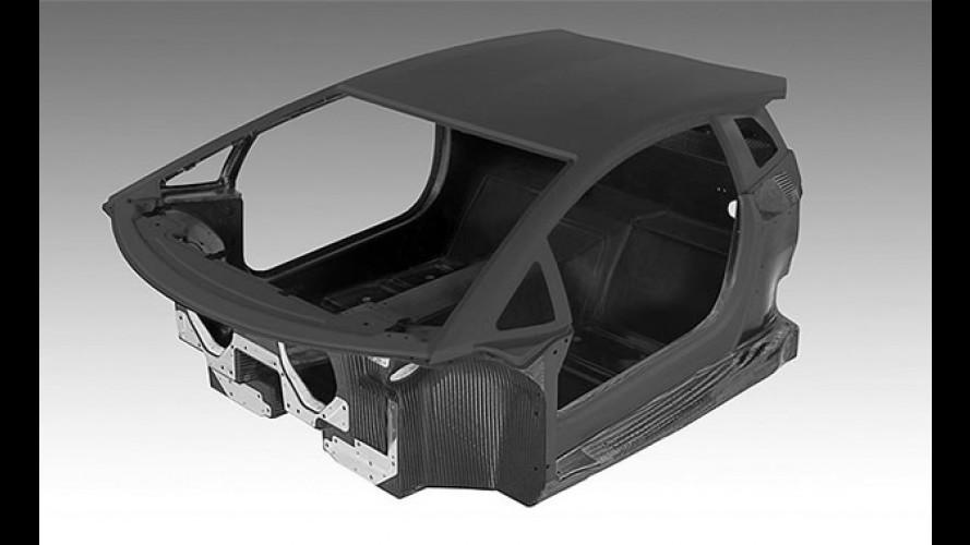 Lamborghini mostra foto do monobloco do Aventador