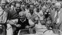 Mercedes team pose 1954 British Grand Prix