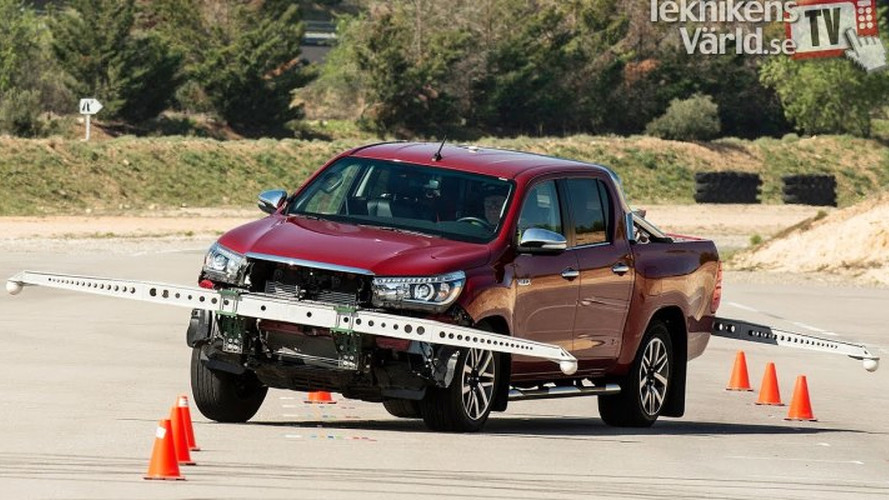 Toyota Hilux - Teste do Alce
