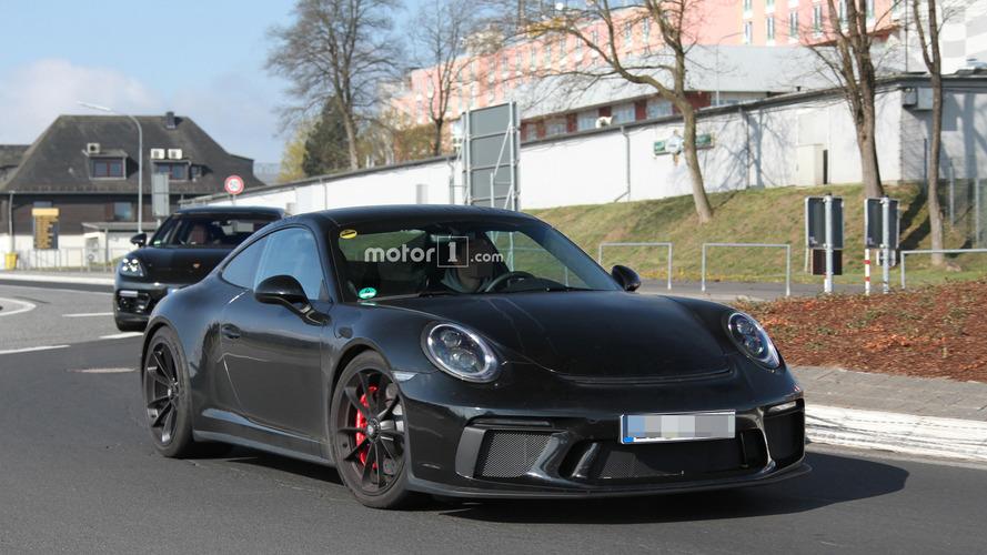 Porsche 911 R'a veliaht mı geliyor?