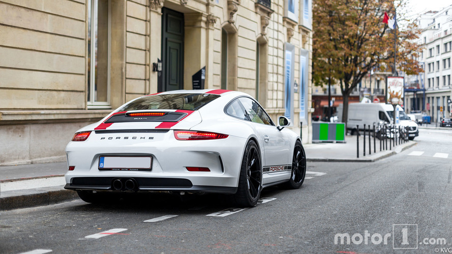 PHOTOS - La Porsche 911 R, sportive pure et dure, photographiée à Paris