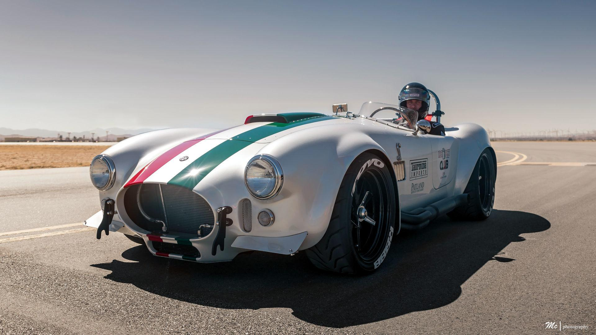 Superformance\'s Cobra Is The Fastest Ever Hitting 201 MPH