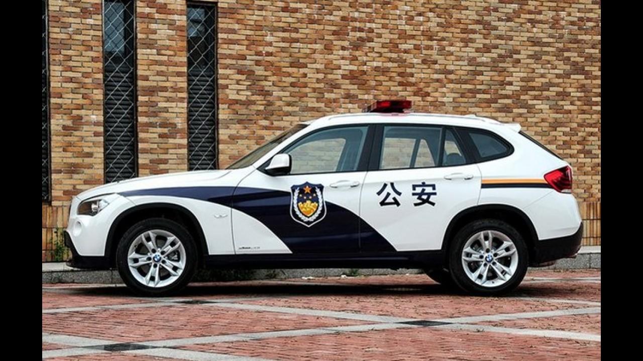 BMW X1 vira carro de polícia na China