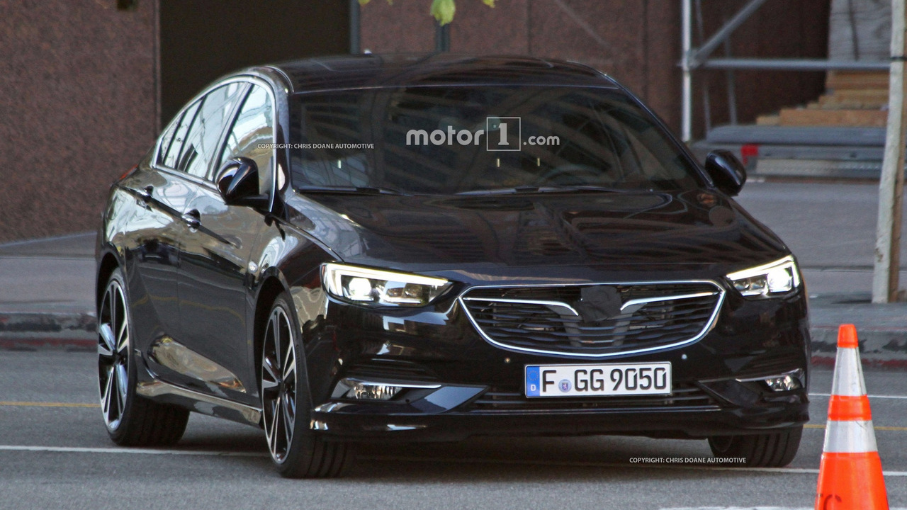 2017 Opel Insignia sedan and wagon break cover