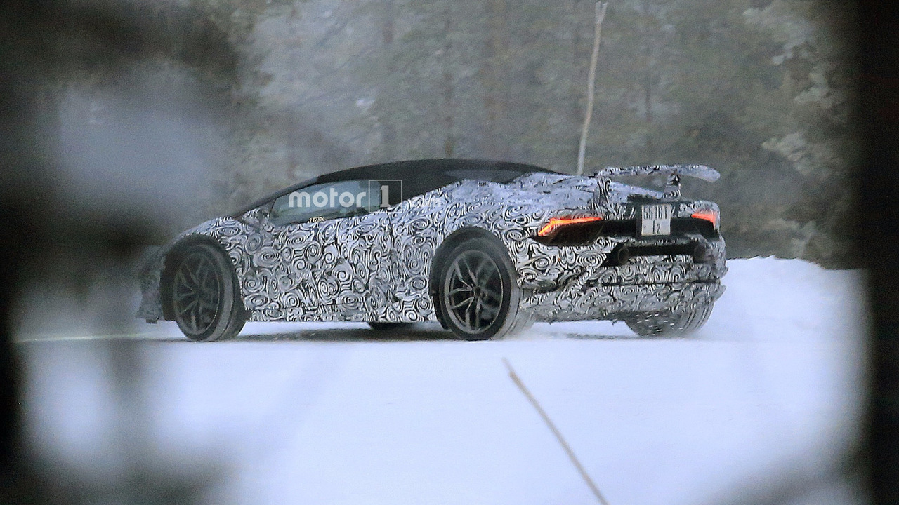 lamborghini huracan spyder performante spied for the first time. Black Bedroom Furniture Sets. Home Design Ideas