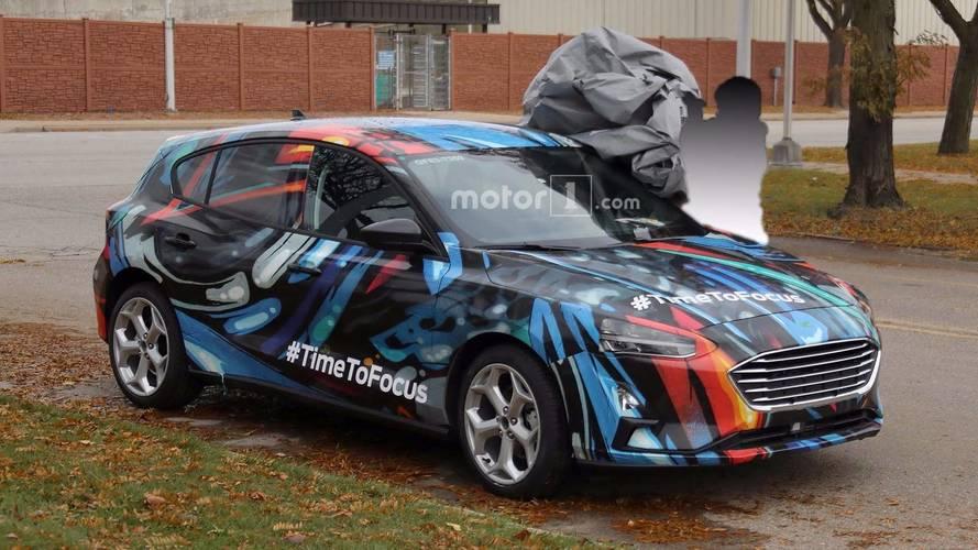 Feltűnő álcafestésben bukott le az új Ford Focus