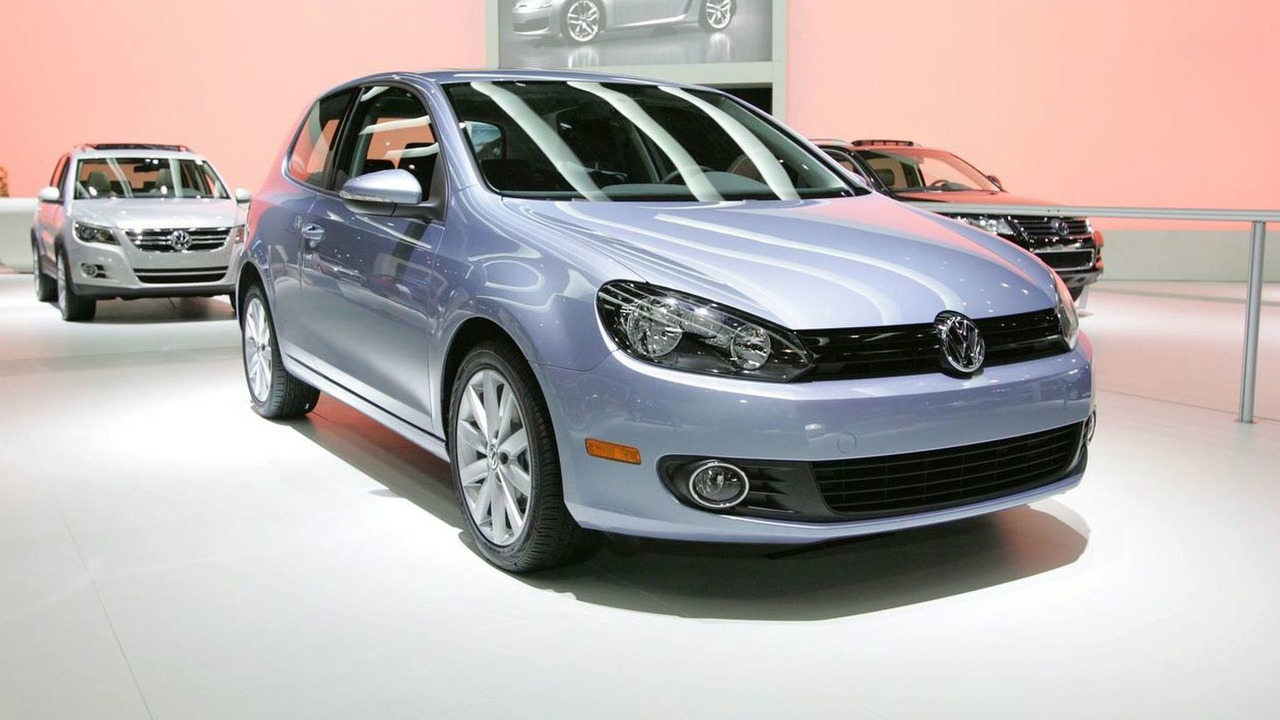 VW Golf is 2009 World Car of the Year at New York Auto Show