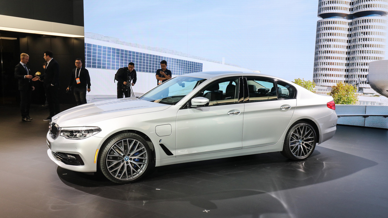 2018 BMW 530e iPerformance: Detroit 2017