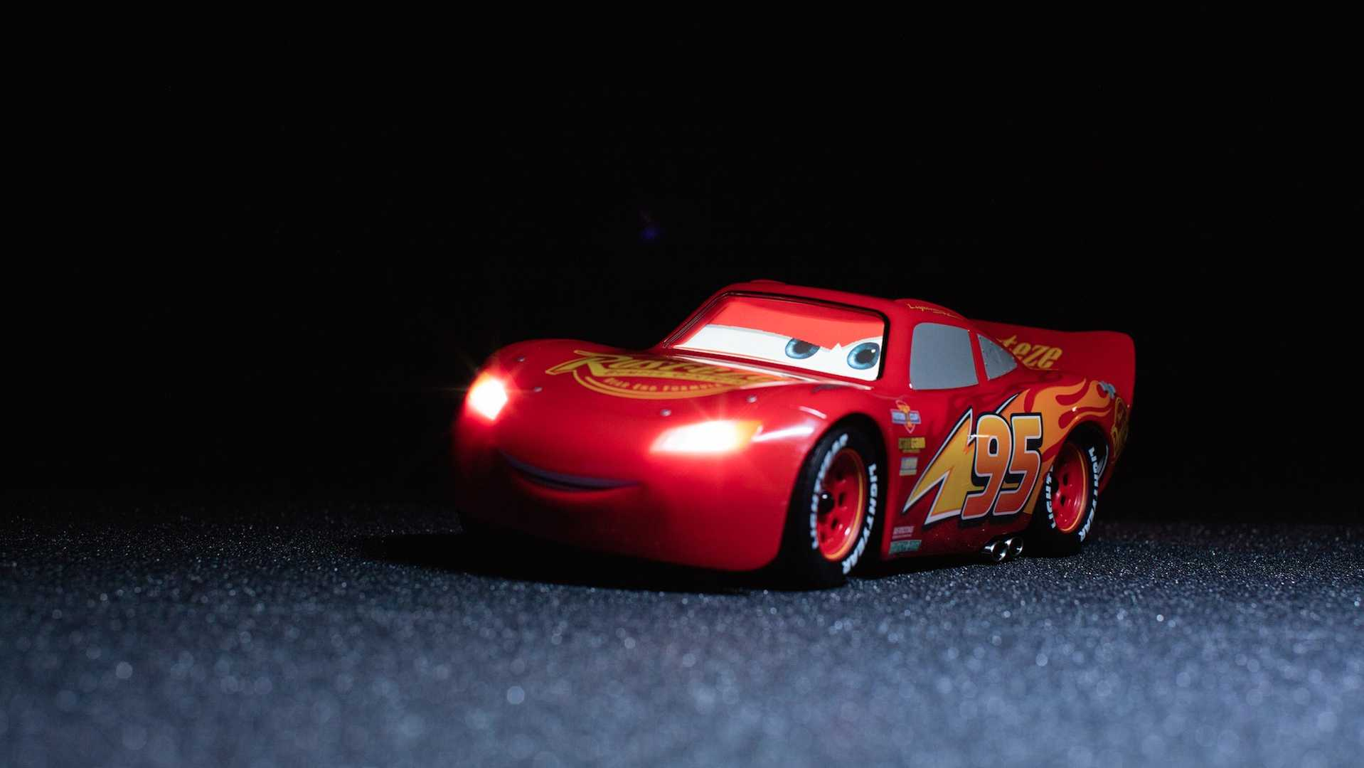 Lightning McQueen RC Car Can Be Controlled Via Smartphone