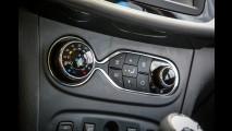 Teste CARPLACE: melhor no estilo, novo Sandero 1.6 peca pela mecânica antiga