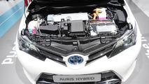 Toyota Auris Hybrid live in Paris 27.09.2012