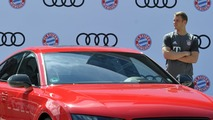Bayern München players get their yearly Audis, mostly RS6s and RS7s