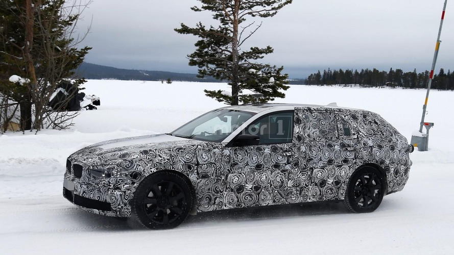 2017 BMW 5 Series Touring spied hiding evolutionary design
