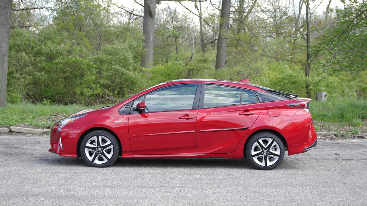 2016 Toyota Prius | Why Buy? Headliner