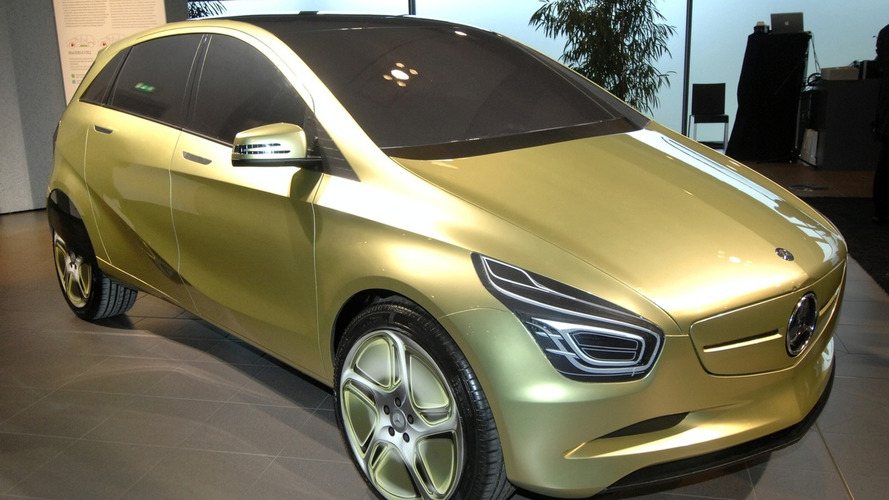Mercedes BlueZero Concept gets Early Unveiling