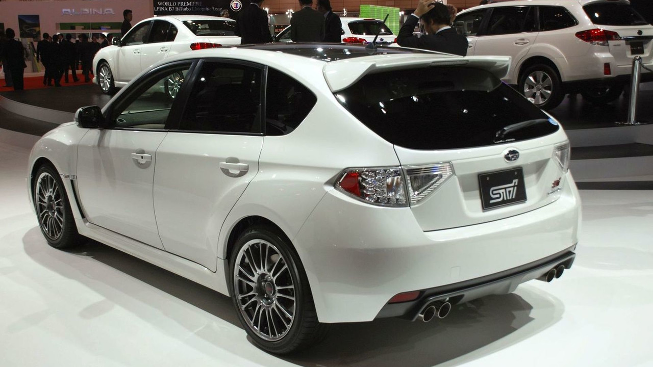 Subaru Impreza WRX STI Carbon live in Tokyo