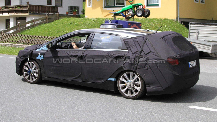 2012 Hyundai Sonata / i40 / i45 wagon spy photos