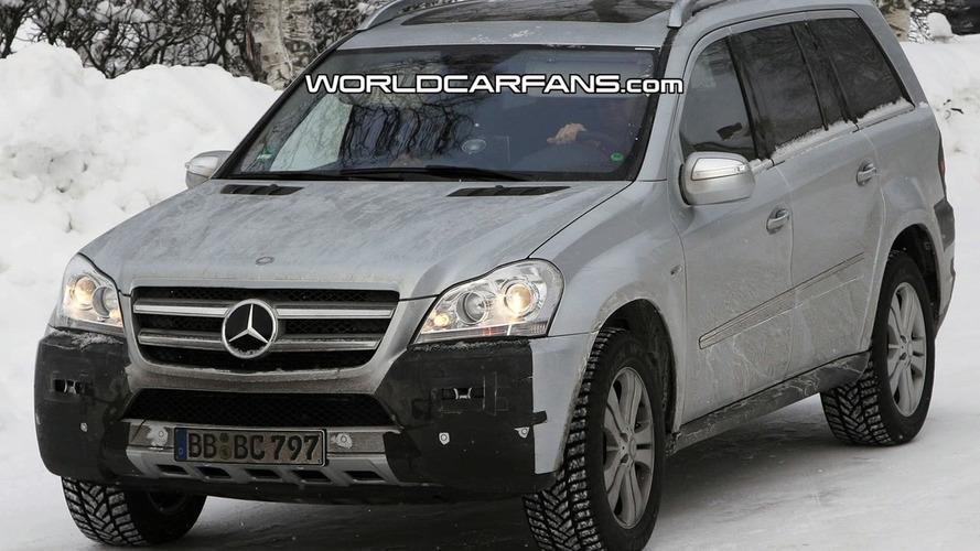 Mercedes GL Facelift Spied Winter Testing