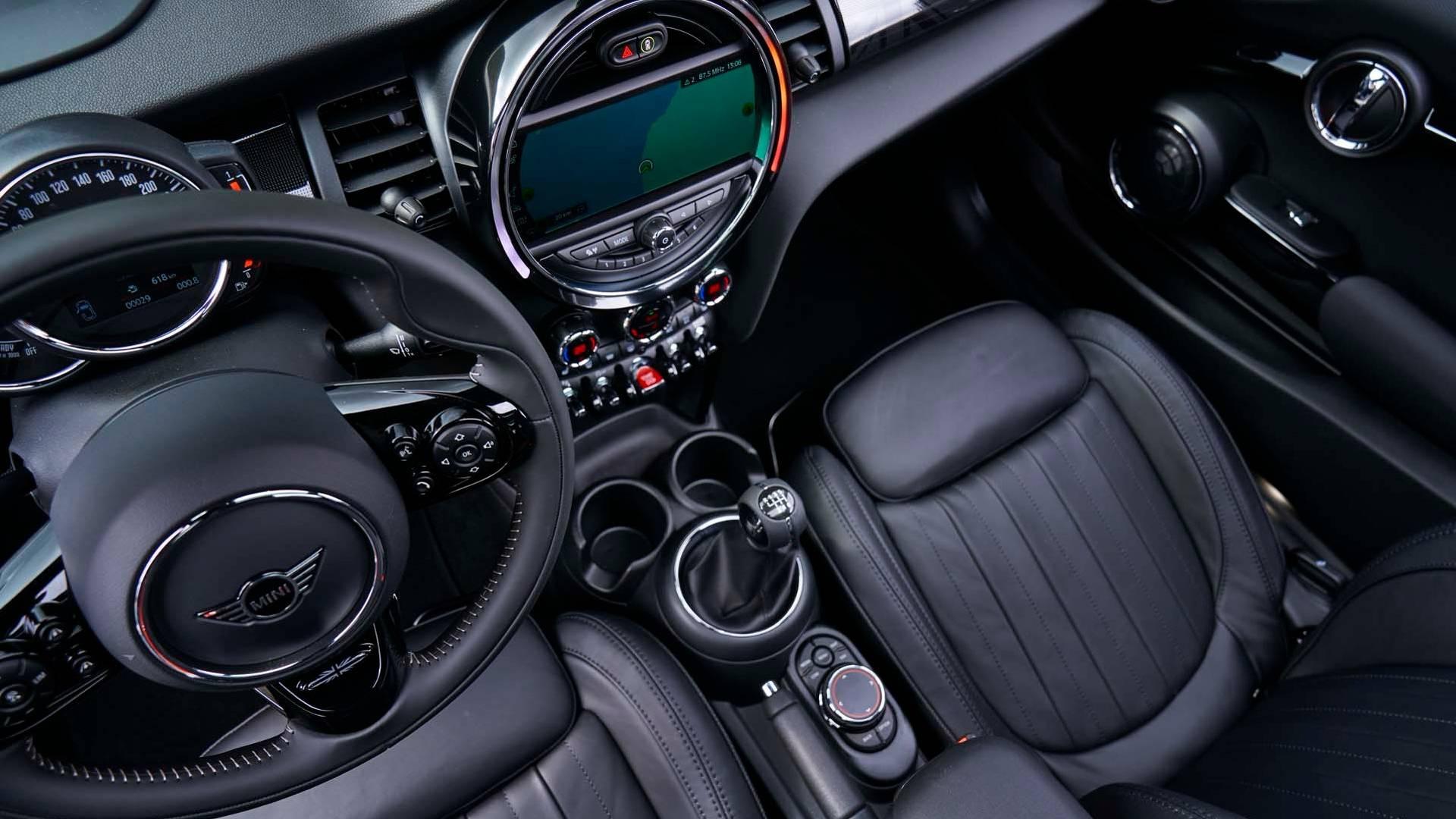2019 mini hardtop convertible will show minor refresh in detroit. Black Bedroom Furniture Sets. Home Design Ideas