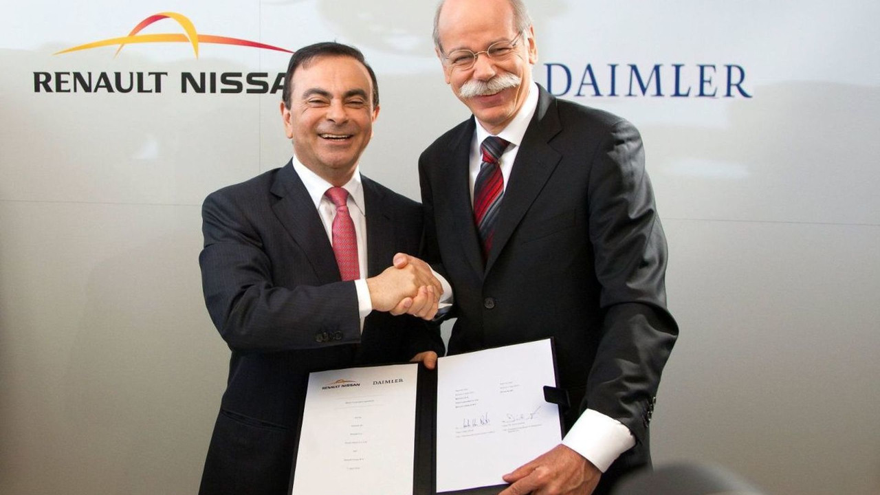 Carlos Ghosn, Chairman and CEO of Renault-Nissan Alliance and Dr. Dieter Zetsche, Chairman and CEO of Daimler AG, sign the contract April 07 2010
