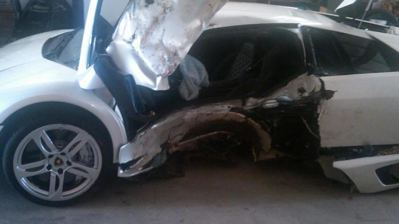 Lamborghini Murcielago joyride ends with a tree crash
