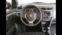 Suzuki Swift 2012: Leitora flagra modelo sem disfarces em São José dos Campos