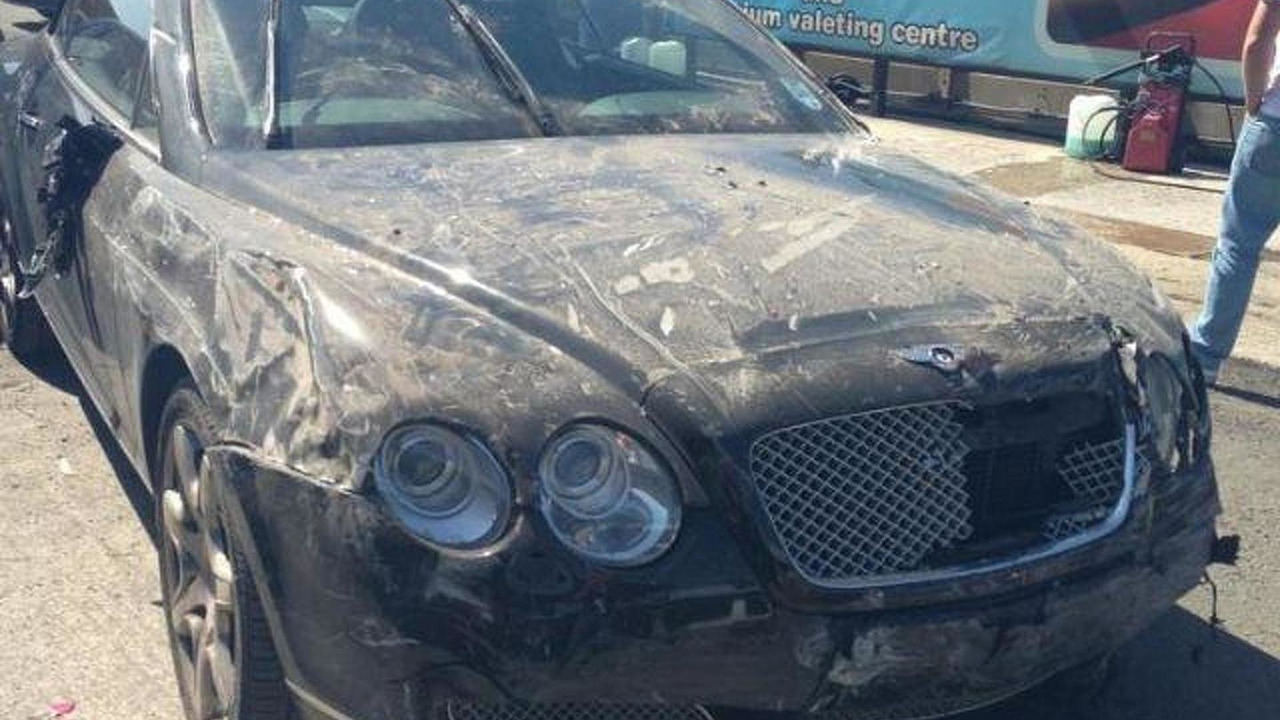 Wrecked Bentley Continental GTC 25.05.2013