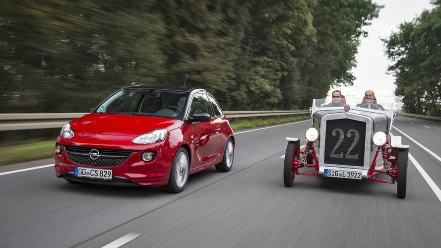 Opel Adam, 90 yaşındaki elektrikli araca parça bağışlıyor