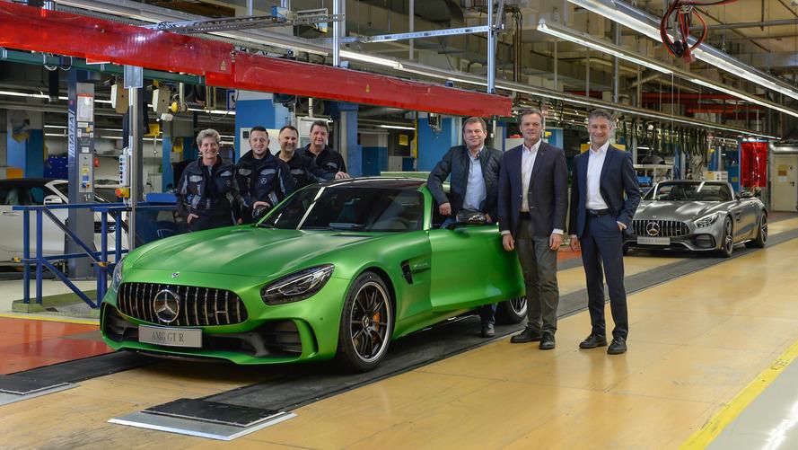 Mercedes el yapımı AMG GT R ve GT Roadster'ın üretimini başlattı