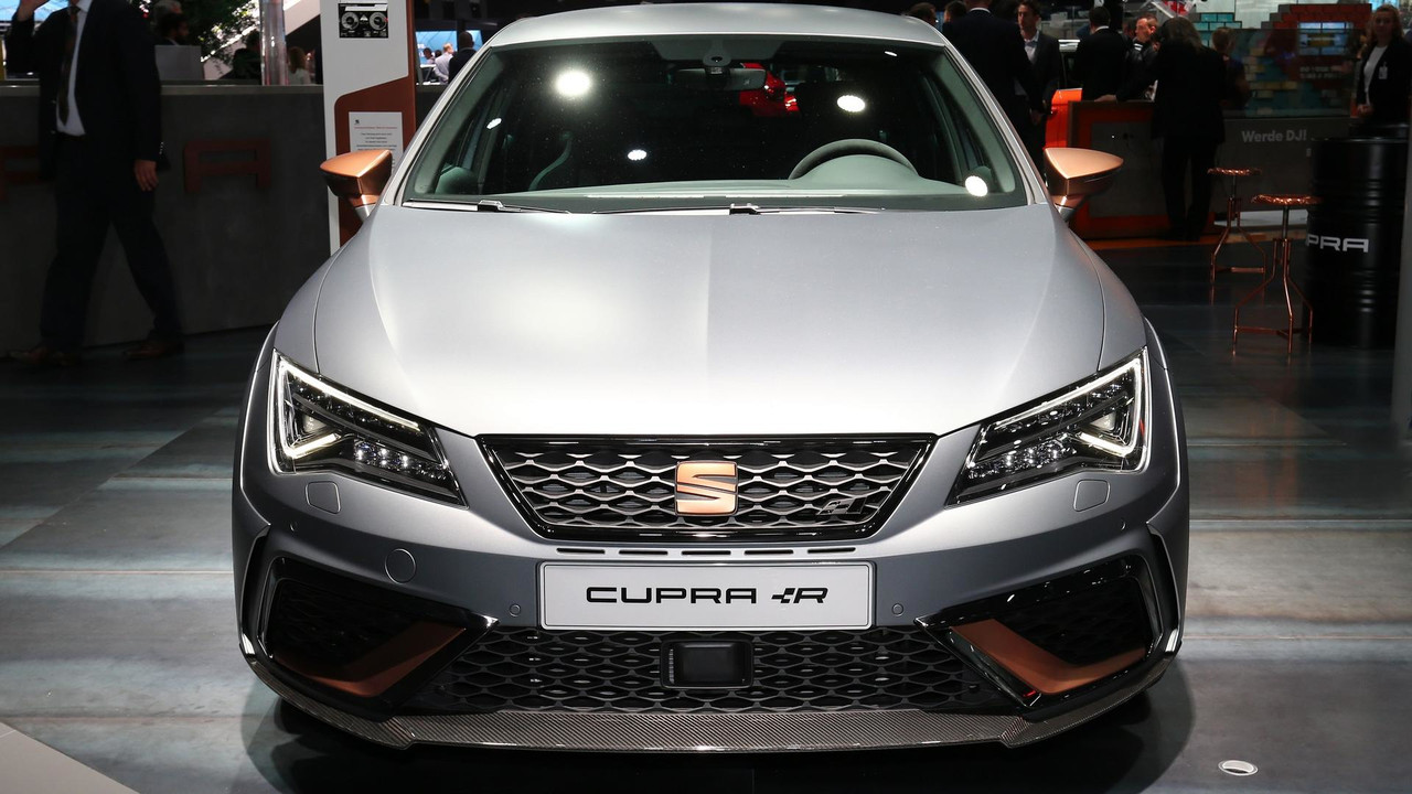 seat leon cupra r breaks cover with 310 horsepower. Black Bedroom Furniture Sets. Home Design Ideas