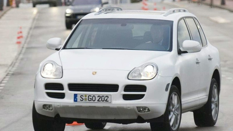 Porsche to Offer Hybrid Cayenne in 2009
