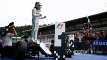 Race winner Lewis Hamilton, Mercedes AMG F1 celebrates