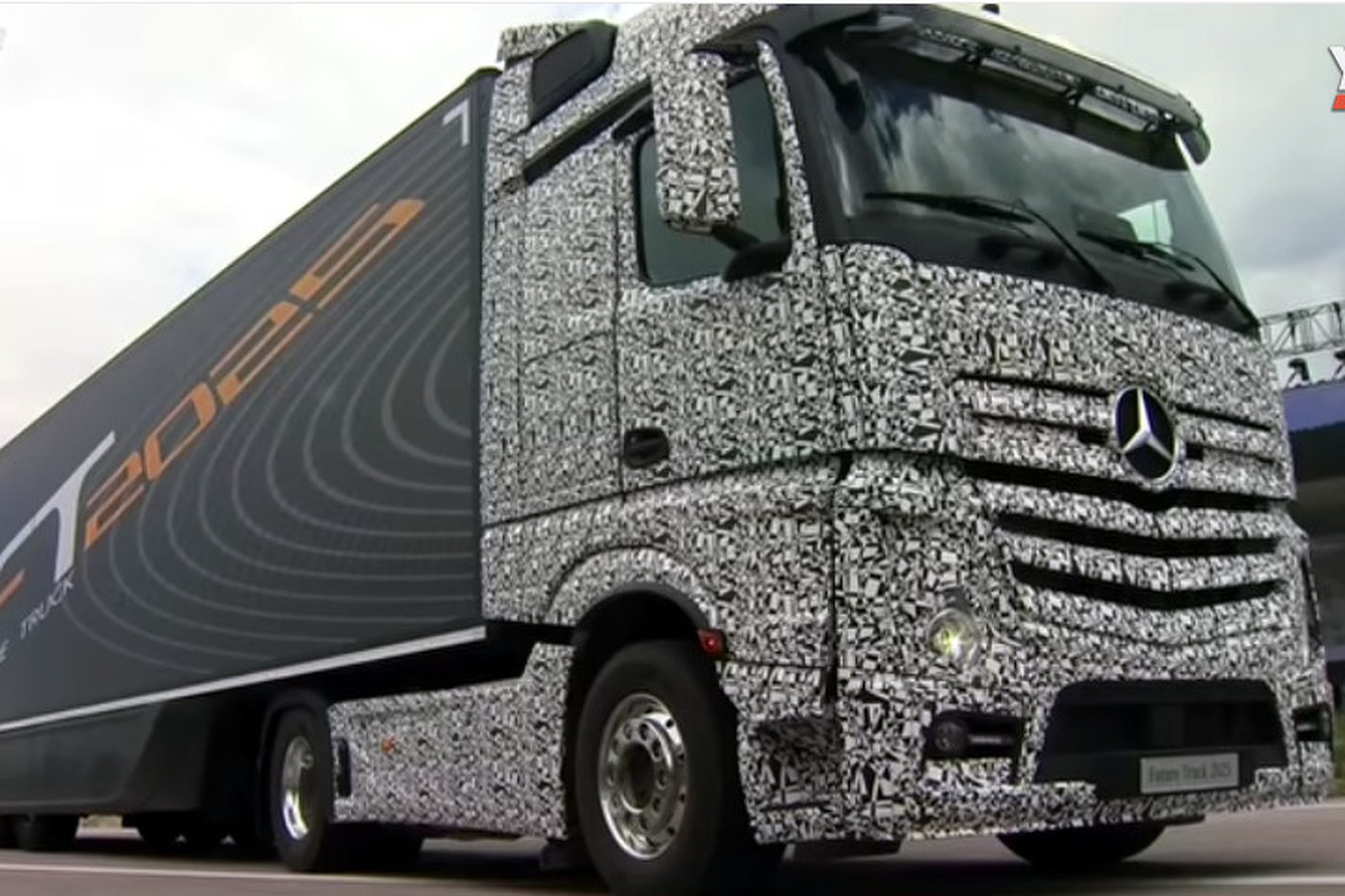 Mercedes-Benz Designs an Autonomous Semi for 2025 [video]