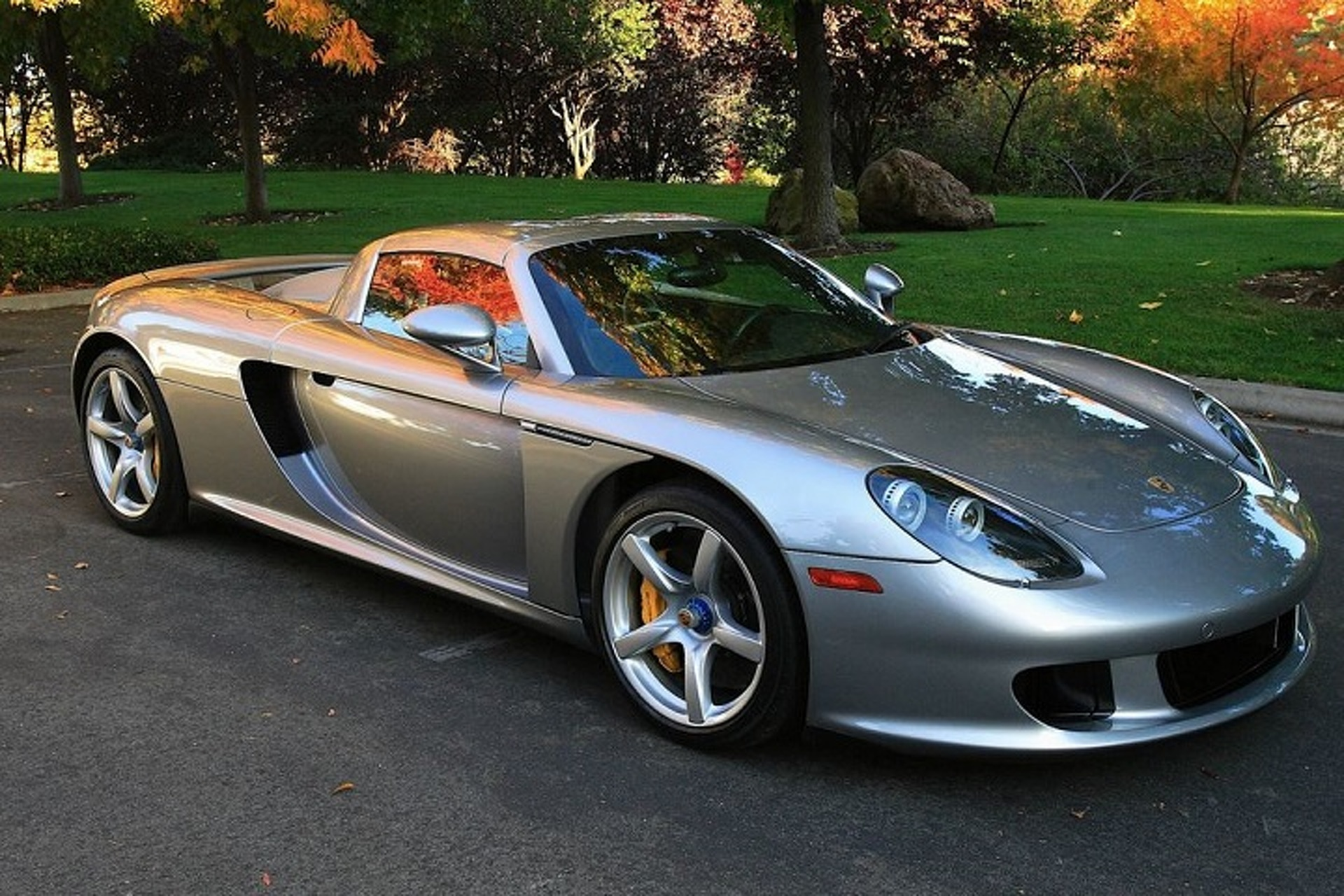 Ken Griffey Jr. Loves Speed, Owns a Porsche Carrera GT Sports Car