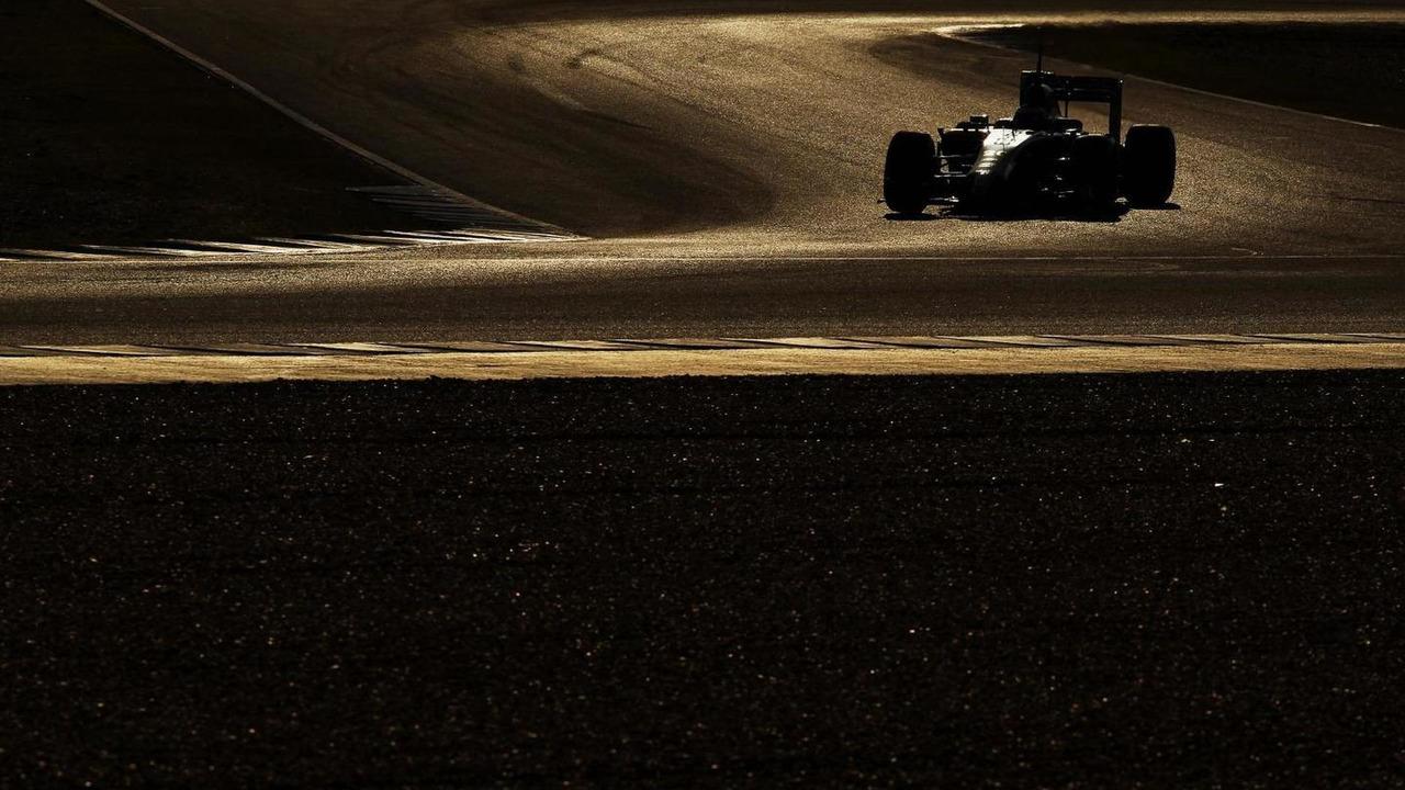 Kevin Magnussen McLaren MP4-29 30.01.2014 Formula One Testing Jerez Spain