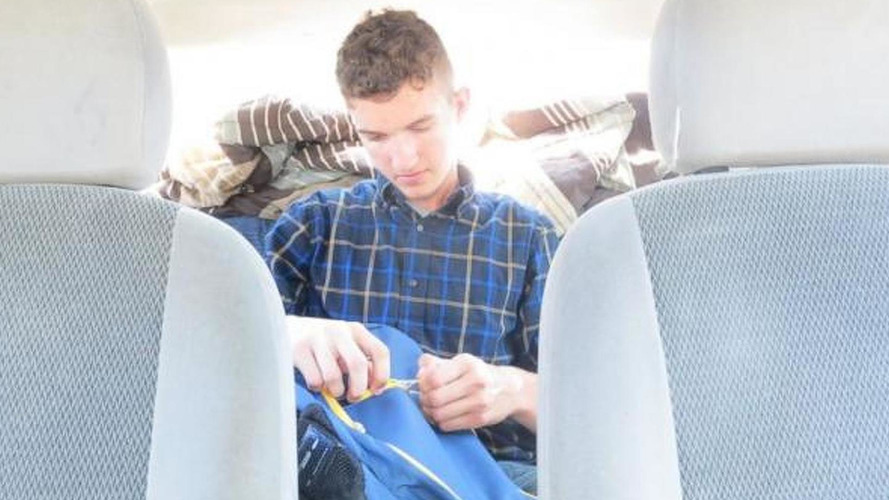 Moneyless student lives in old Ford Focus for a year
