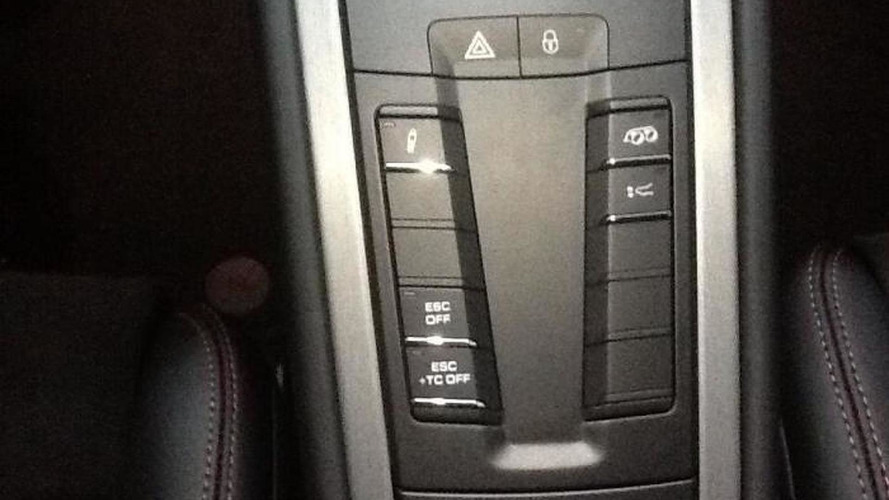 Porsche dealer allegedly forgets to put PDK Sport button on a new GT3