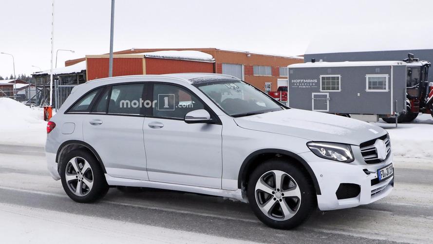 EQC néven érkezik a Mercedes-Benz elektromos SUV-ja, ám ez még csak a kezdet