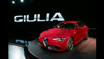 Alfa Romeo Giulia é revelado com motor 3.0 V6 de 510 cv 'by Ferrari'