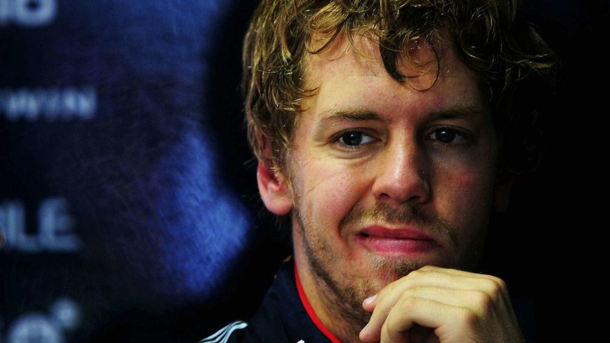 Vettel insists Red Bull 'staying with Renault'
