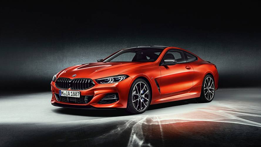 BMW 8 Series' sexy shape arrives with 523-bhp biturbo V8