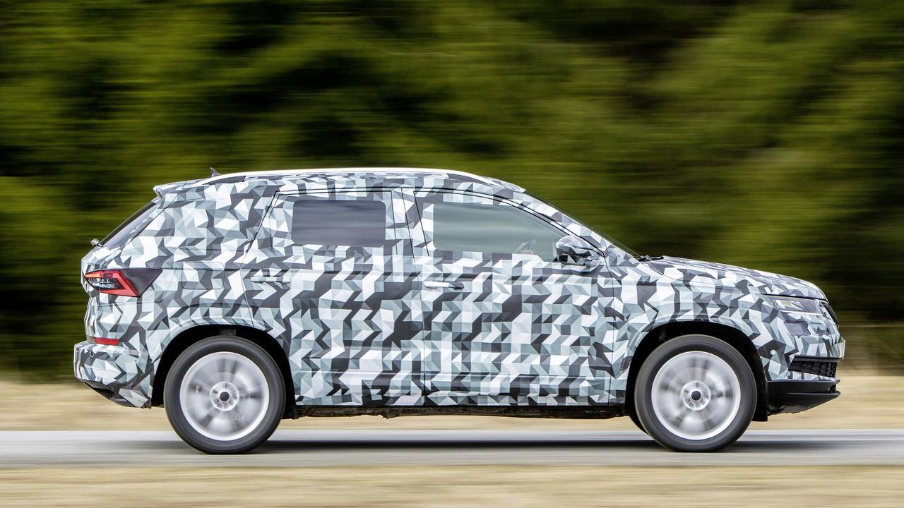 2018 Skoda Karoq camouflaged prototype