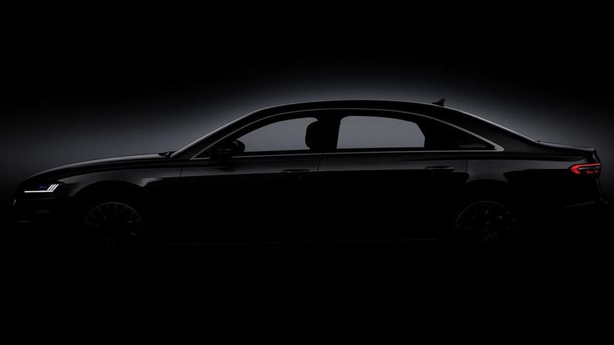 2018 Audi A8'in bir teaser'ı daha geldi