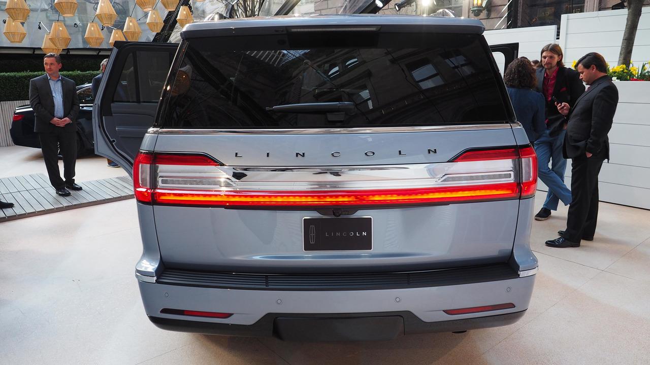 Unique 2018 Lincoln Navigator Black Label At New York Auto Show Photo