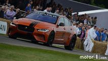 Jaguar XE SV Project 8 en vivo en Goodwood