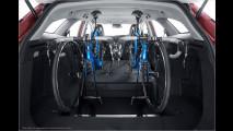Zwei Fahrräder im Kombi