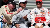 John Surtees, Emerson Fittipaldi, Lewis Hamilton, Bahrain Grand Prix 14.03.2010