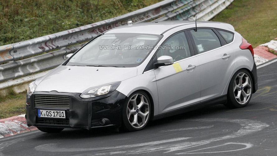 2014 Ford Focus ST facelift spied once again
