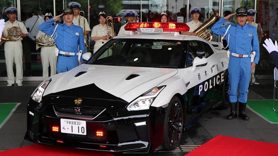 La police japonaise reçoit sa Nissan GT-R !